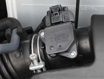 Airflow Sensor on 2006 Cadillac Cts Engine Removal