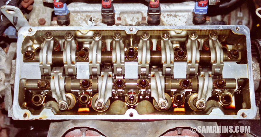 see this photo of a mitsubishi sohc engine