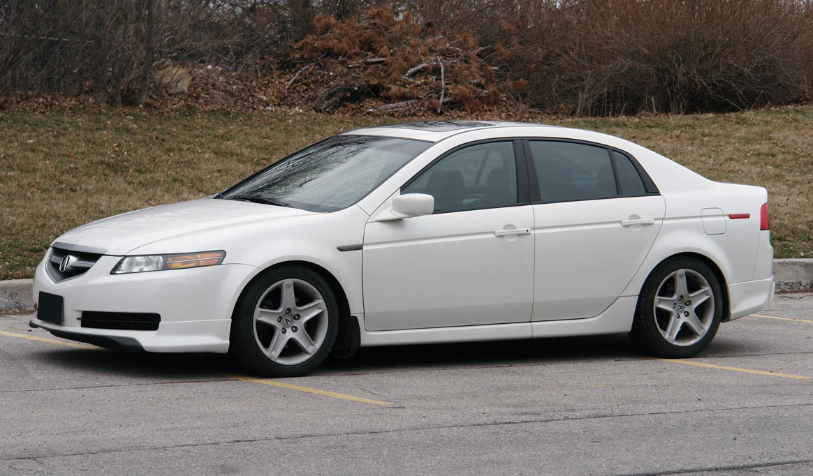 Acura TL Problems Reliability Fuel Economy Specs - Acura tl 2004 dashboard