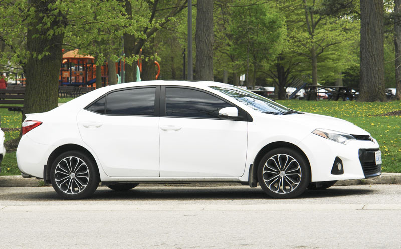 Toyota Corolla sedan 2014-2018: fuel economy, CVT, engine