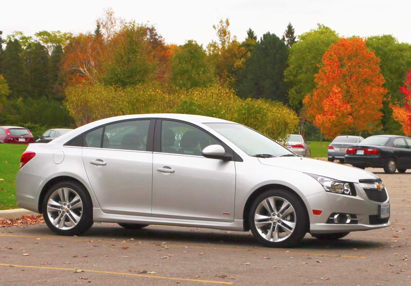 Chevrolet Cruze: problems and fixes, fuel economy, driving