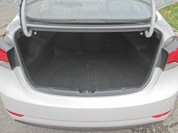 Hyundai Elantra trunk