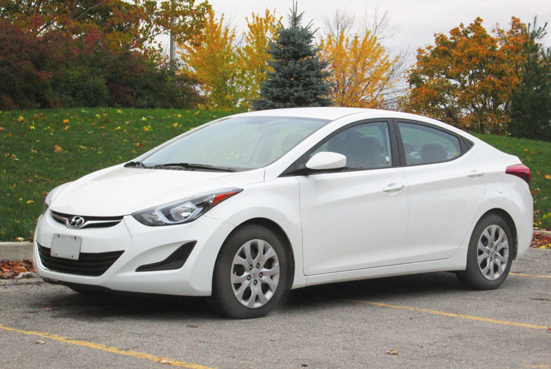 Hyundai Elantra sedan 2011-2015 problems, fuel economy