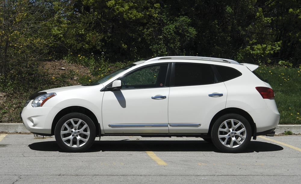 Is Nissan Rogue A pact Suv