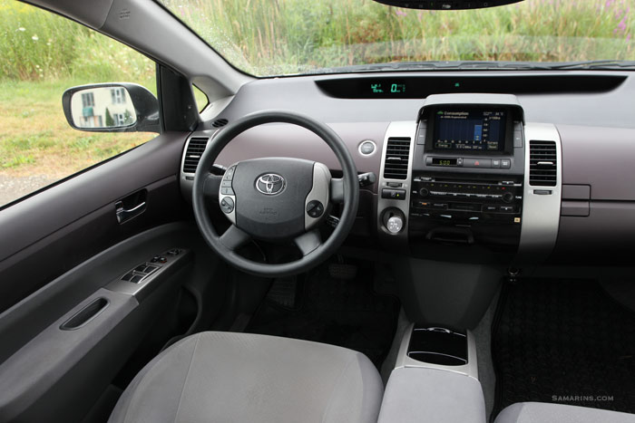 Beautiful Toyota Prius 2004 Interior