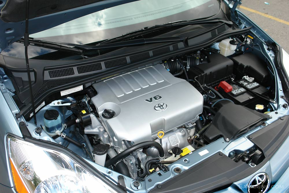 Folded Toyota Sienna Engine