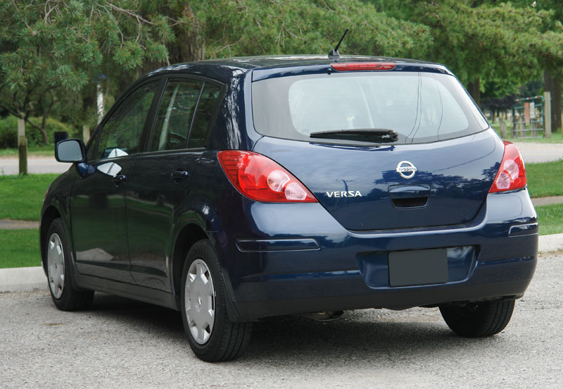 used nissan versa 2007 2011 expert review. Black Bedroom Furniture Sets. Home Design Ideas